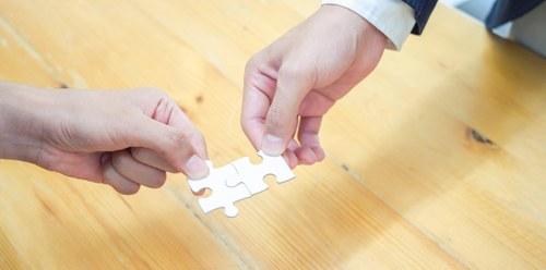 scambio di pezzi di puzzle